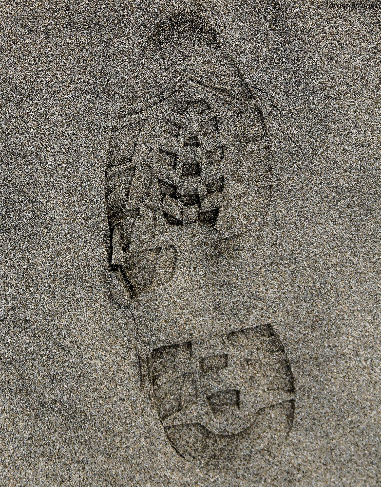 footprints.jpg - undefined by Aaron